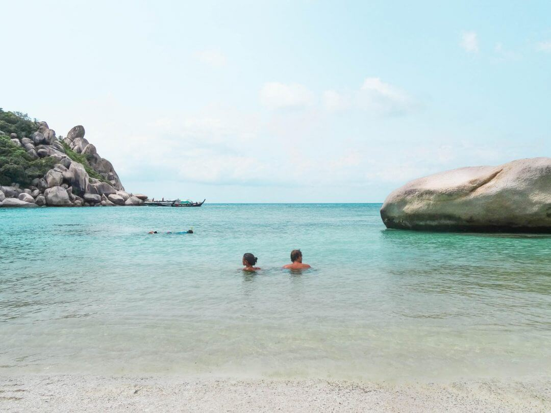 koh tao beaches freedom beach couple