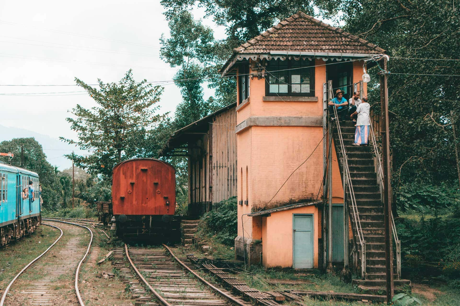beautiful train ride sri lanka kandy ella rails