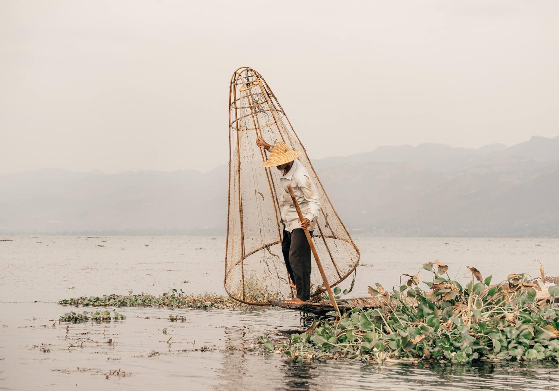 Myanmar Travel guide Inle Lake Fisherman
