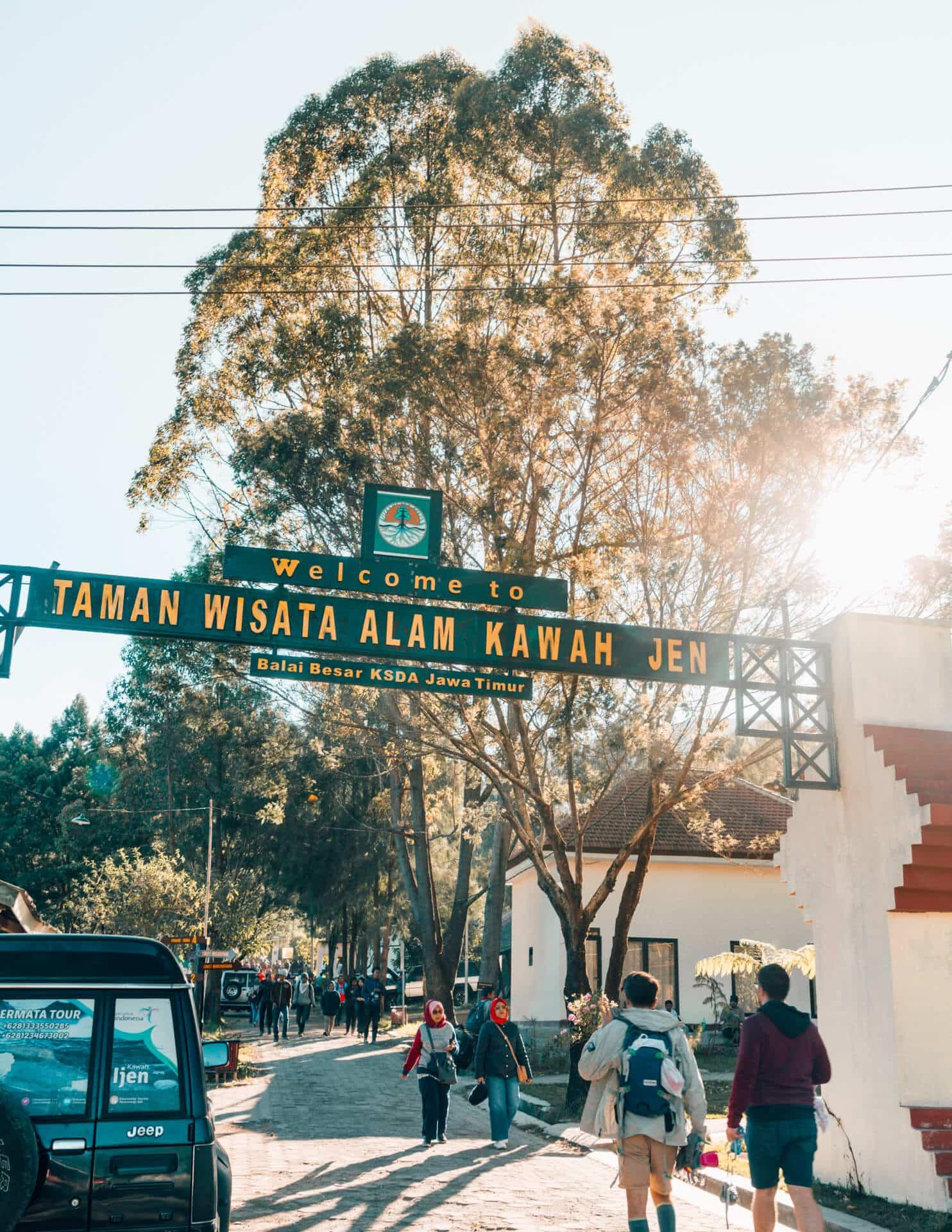 visit ijen tour entrance