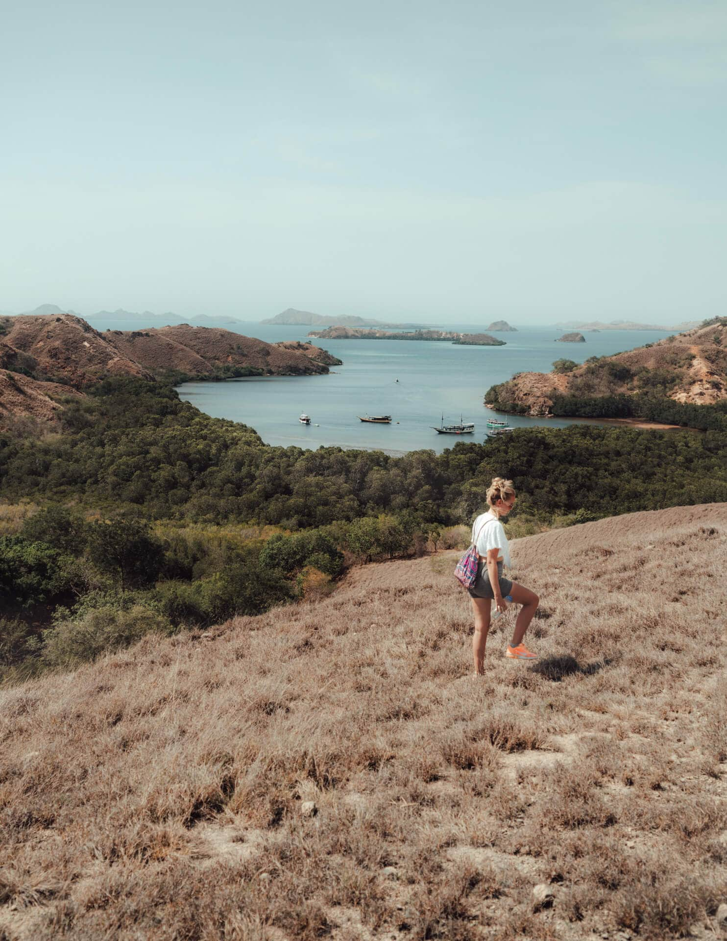 komodo islands flores hike