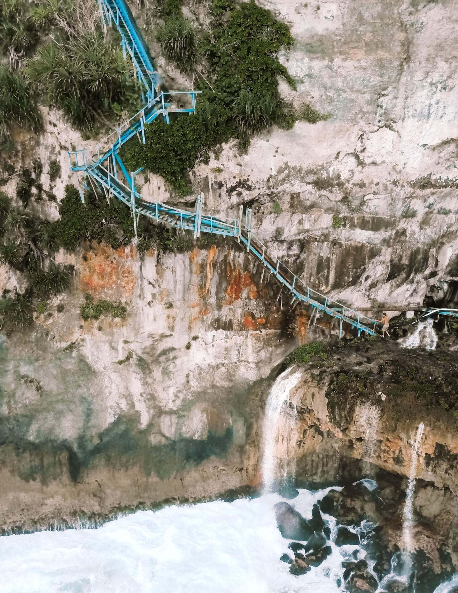 things to do nusa penida peguyanan waterfall stairs