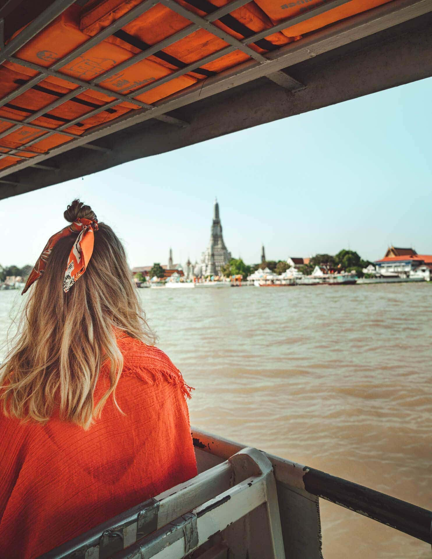things to do bangkok ferry wat arun