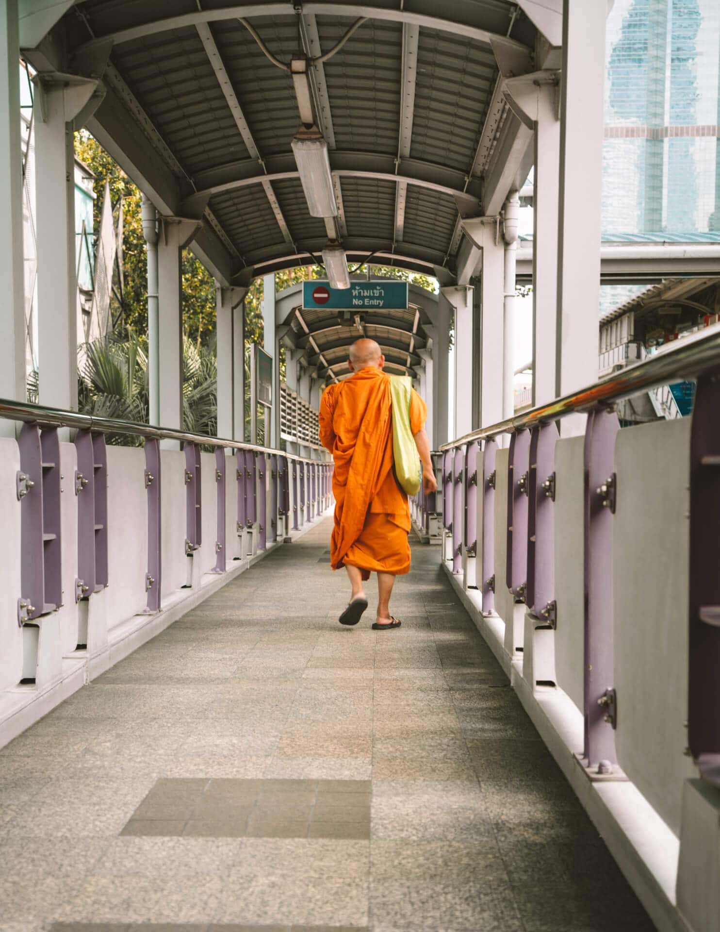 things to do bangkok monk