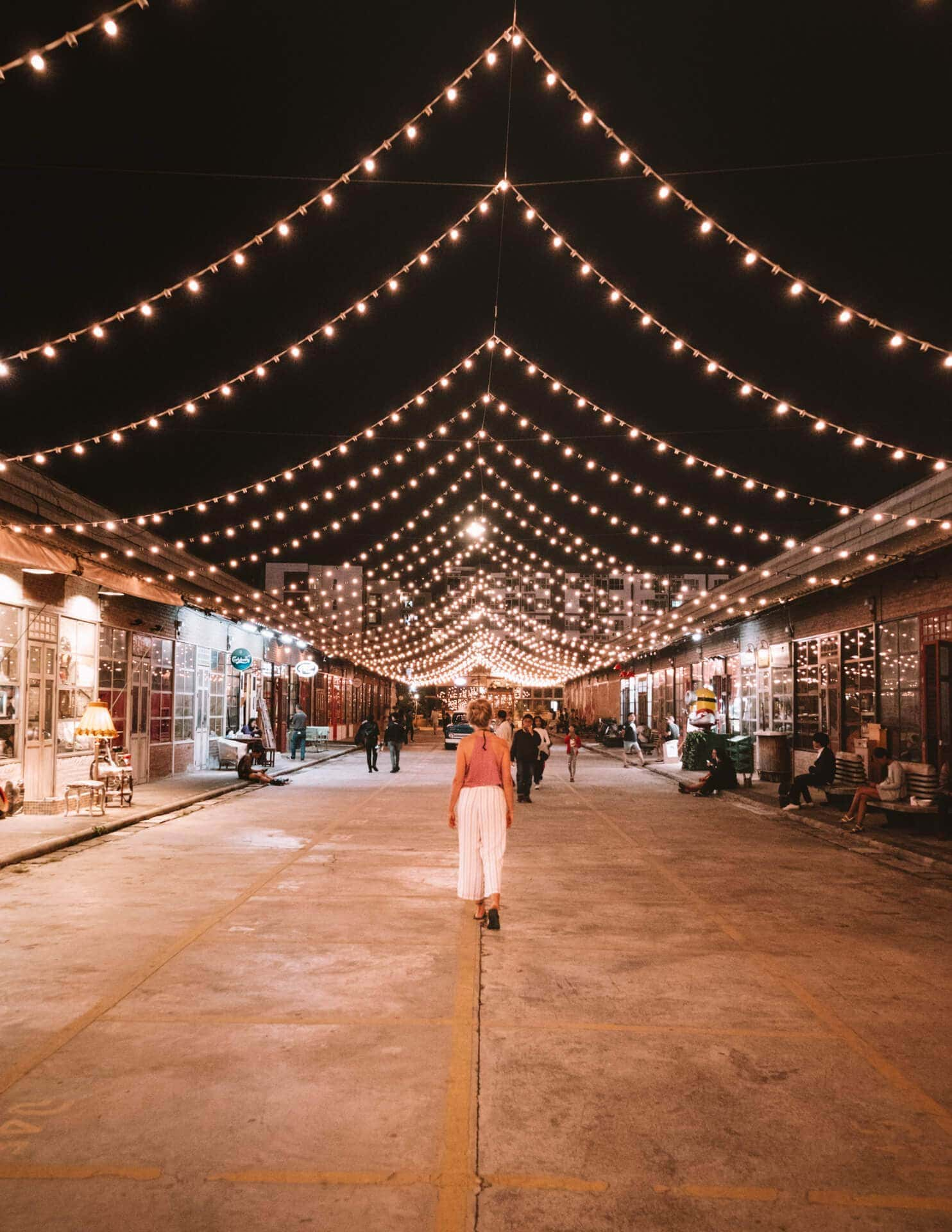 things to do bangkok trendy market