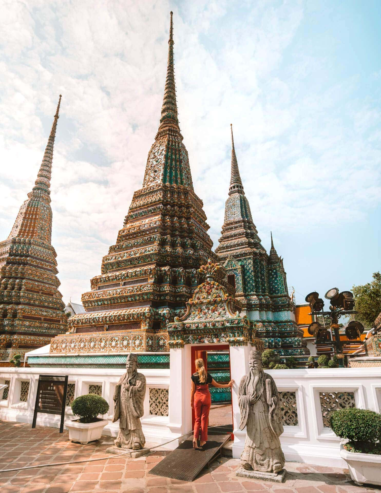 things to do bangkok wat pho temple