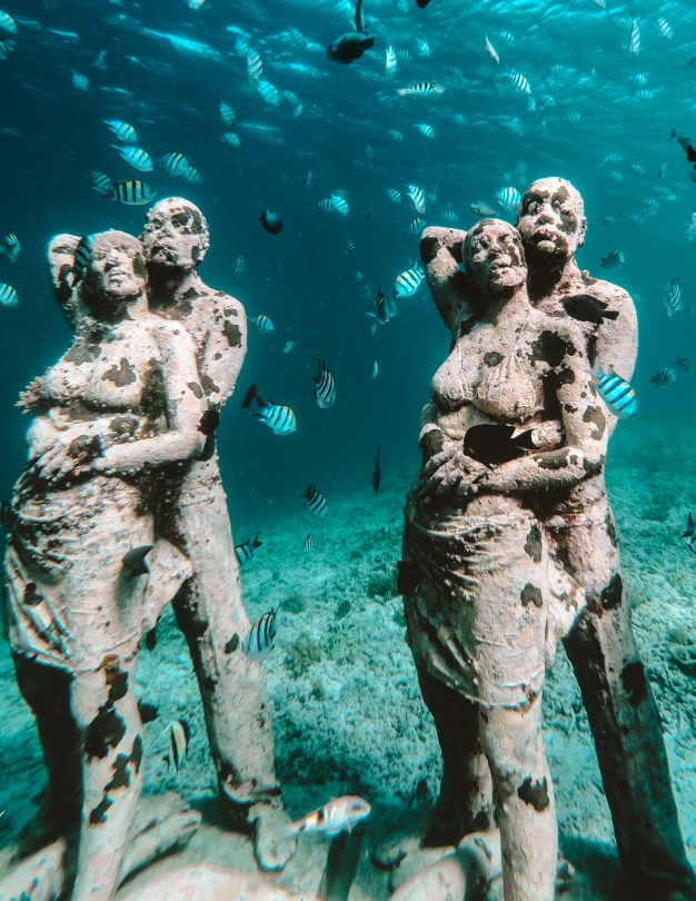 things to do gili air snorkeling statue
