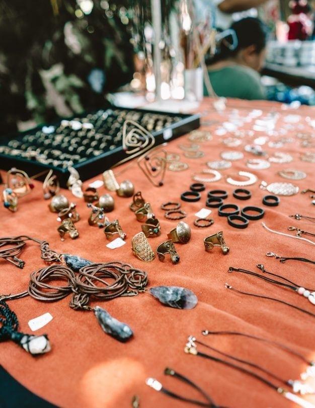 shopping canggu bali sunday market