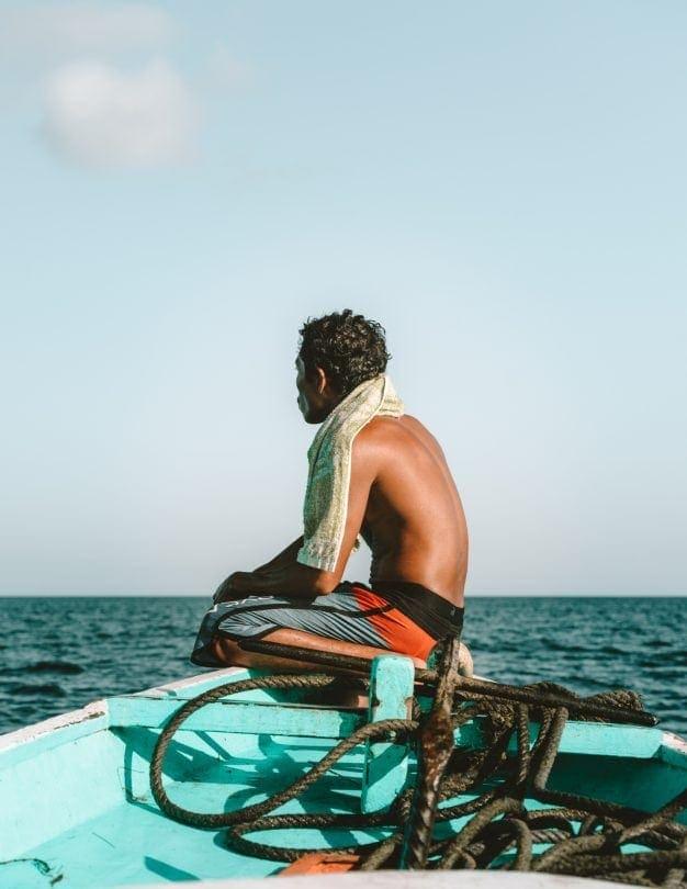 gili snorkeling underwater sculptures boat