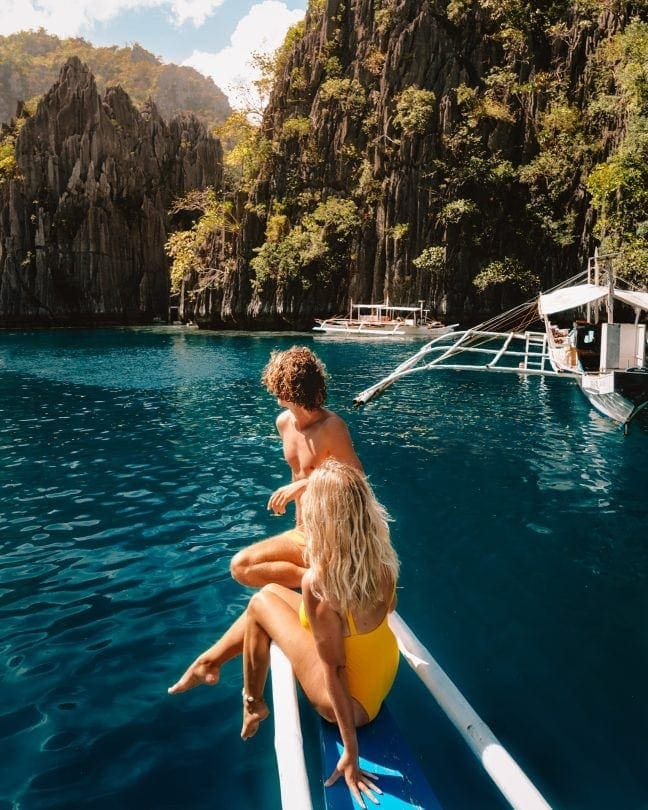 things to do coron philippines twin lagoon couple