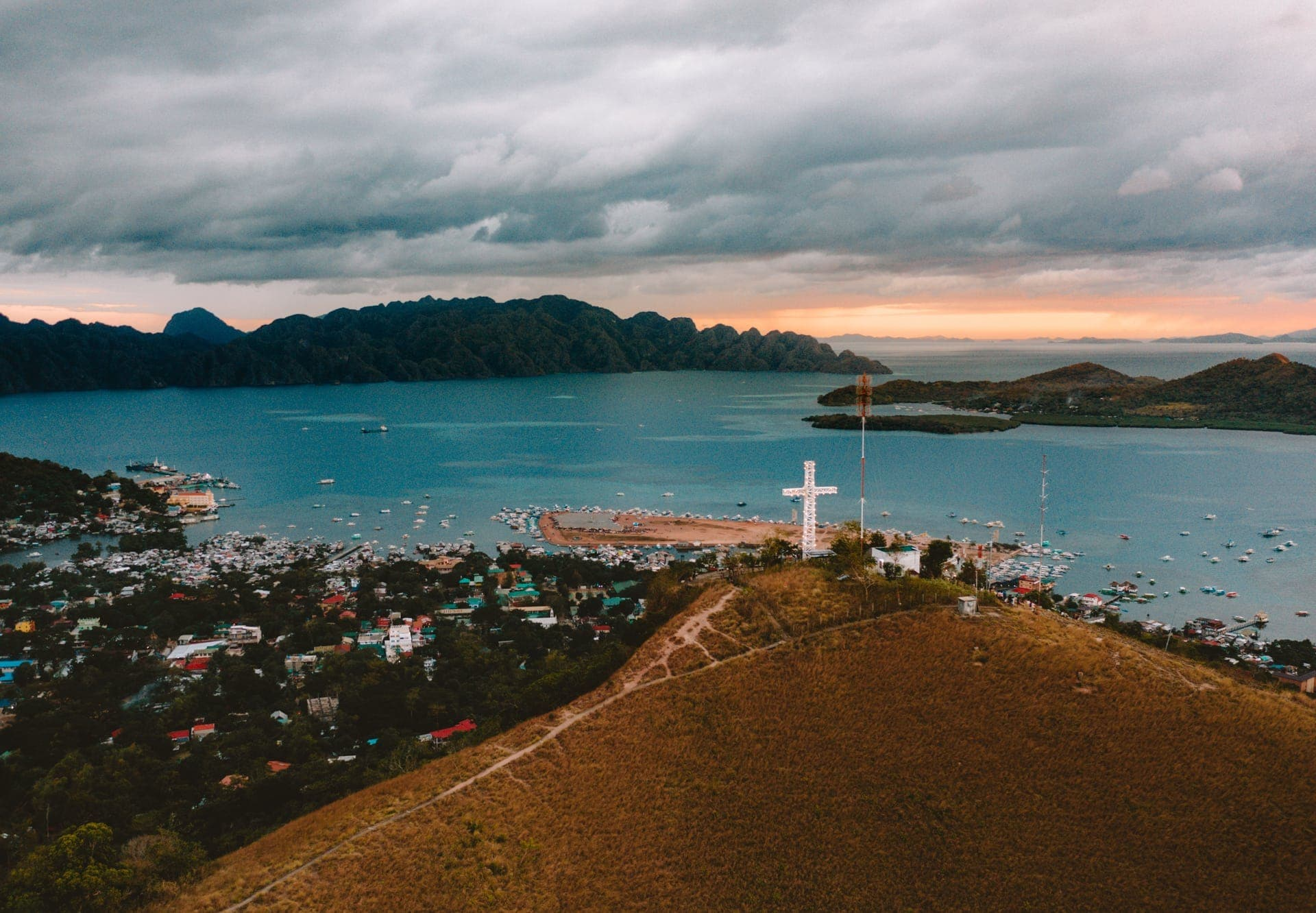 things to do coron philippines mnt tapyas view
