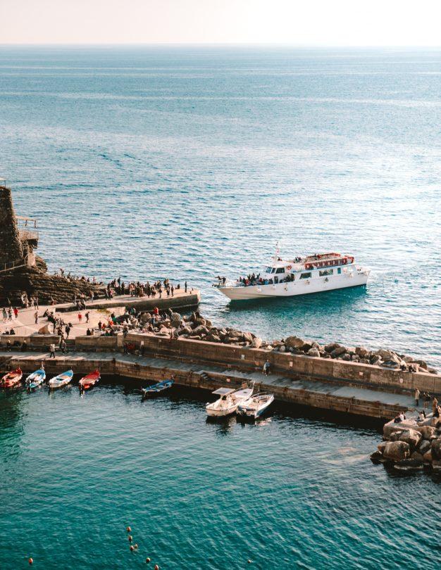 cinque terre italy ferry